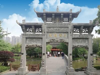 四川省九寨沟县农村石门楼石门雕刻制作加工厂